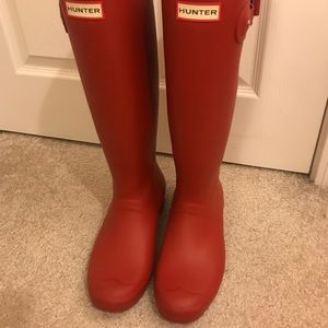 Tall Red Hunter Rain Boots (size 8)